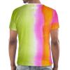 Die Rückseite des EU T-Shirt Limassol von I love EU hat einen gestreiften grün-pink-orangen Farbenprint. Im Nackenbereich befindet sich ein weißes I love EU Logo.