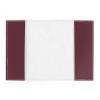 Die Rückseite des EU Passport Cover ist weiß-gräulich, die bordaux-farbigen Lappen der Vorderseite sind zu sehen. Dort wird der Reisepass eingefädelt.
